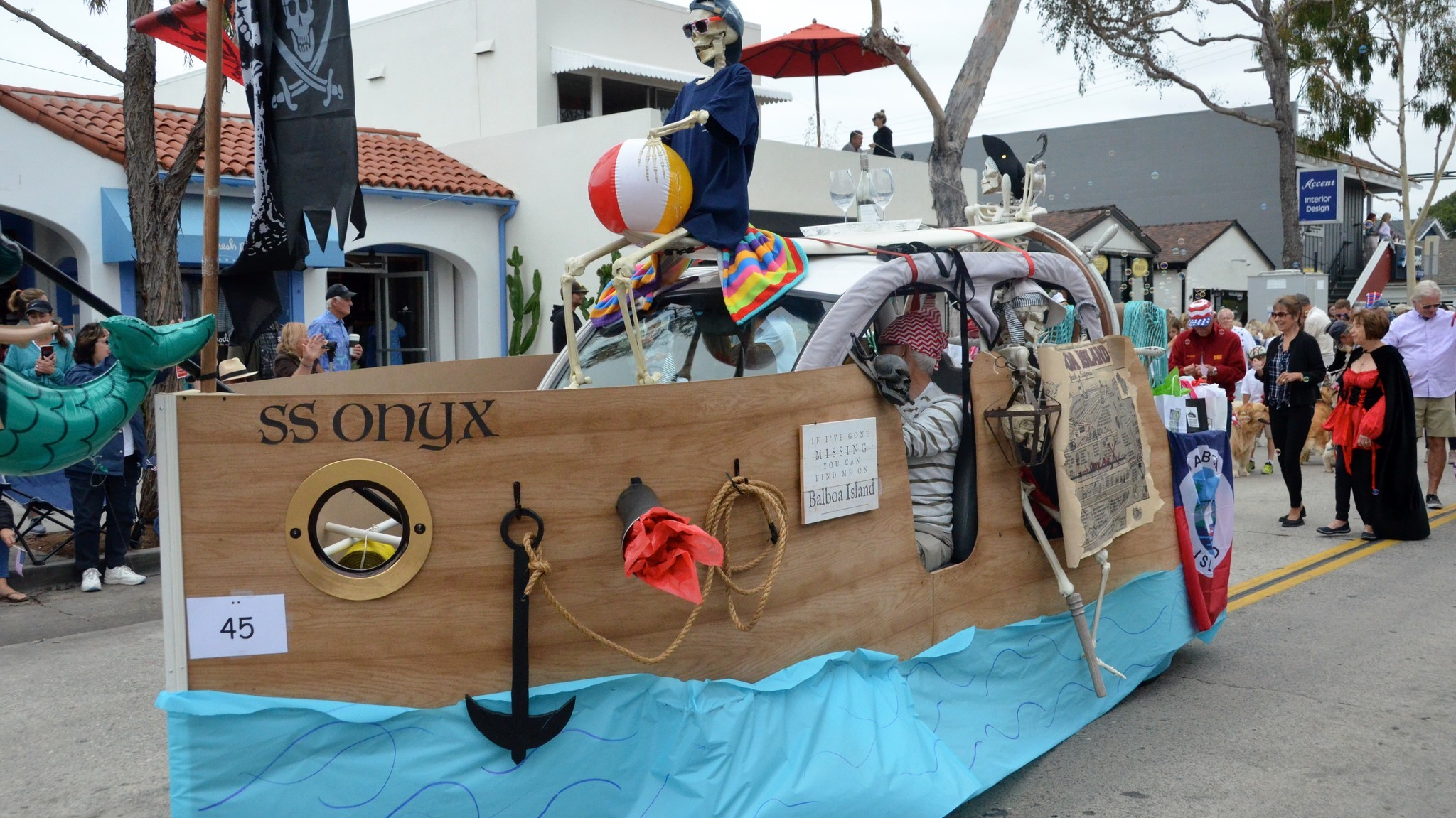 Balboa Island Parade Marches For 26th Year The Morning Call