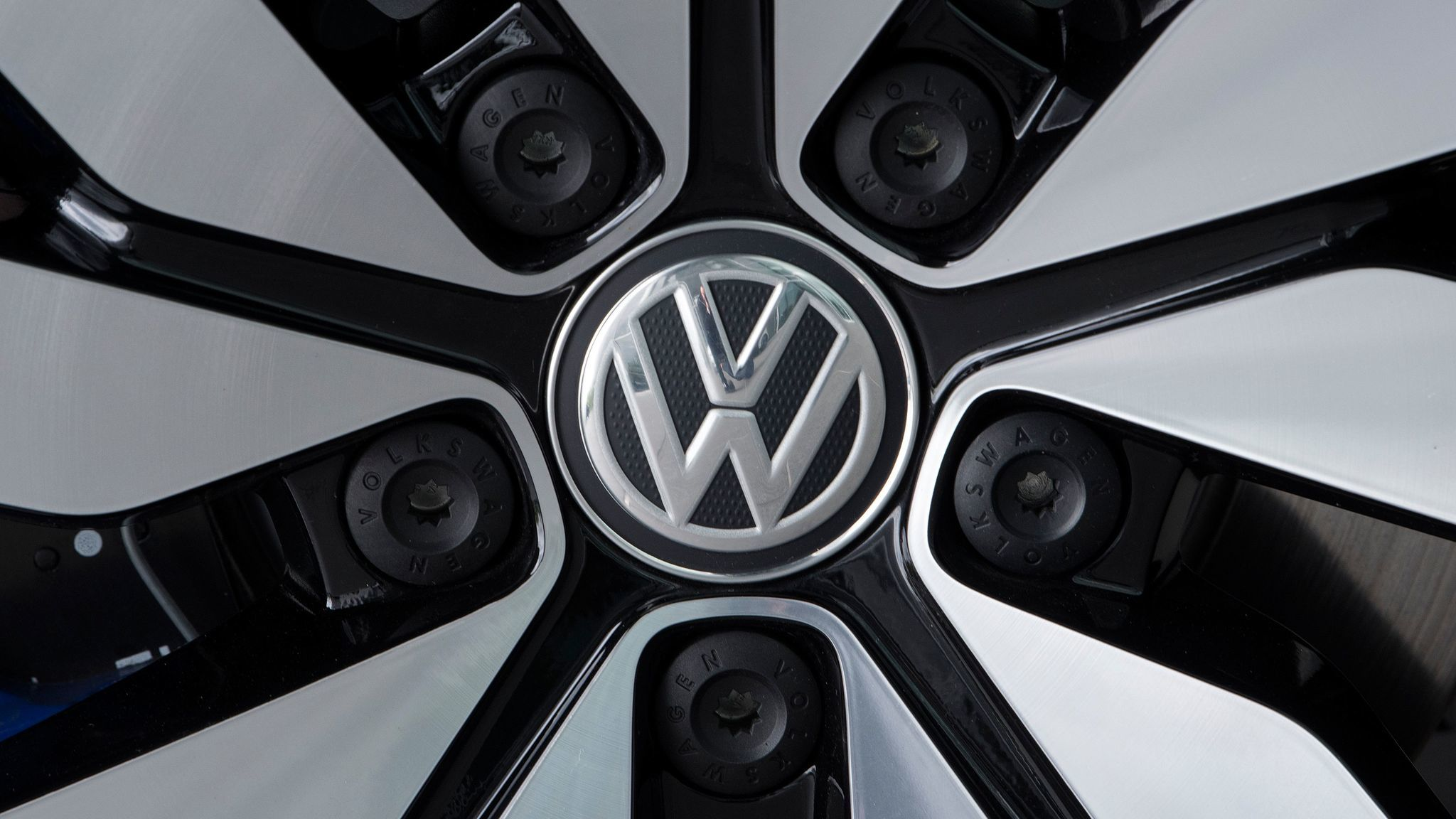 Volkswagen executive pleads guilty in emissions scandal