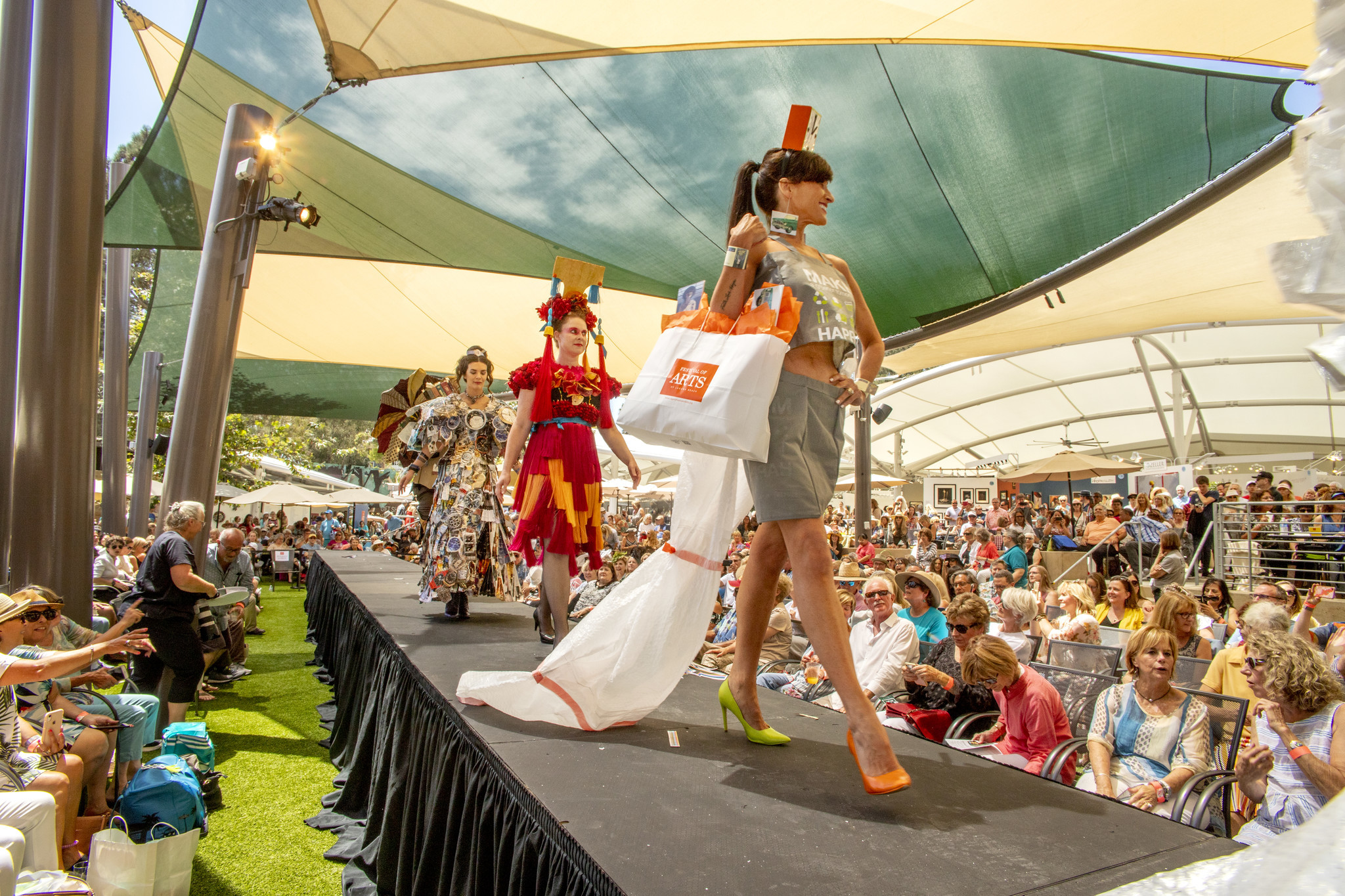 Recycled Reclaimed And Reused Rule At Festival Of Arts Fashion Show The Morning Call