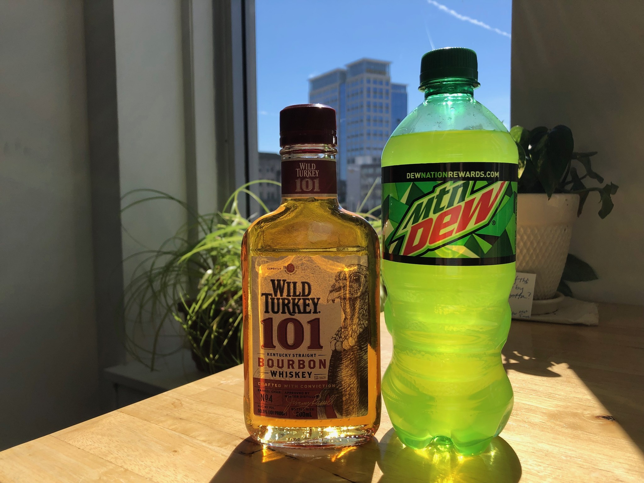 A Norfolk Bartender Is Credited With Maybe The Nation S Dumbest Cocktail Trend The Turkey Dew The Virginian Pilot