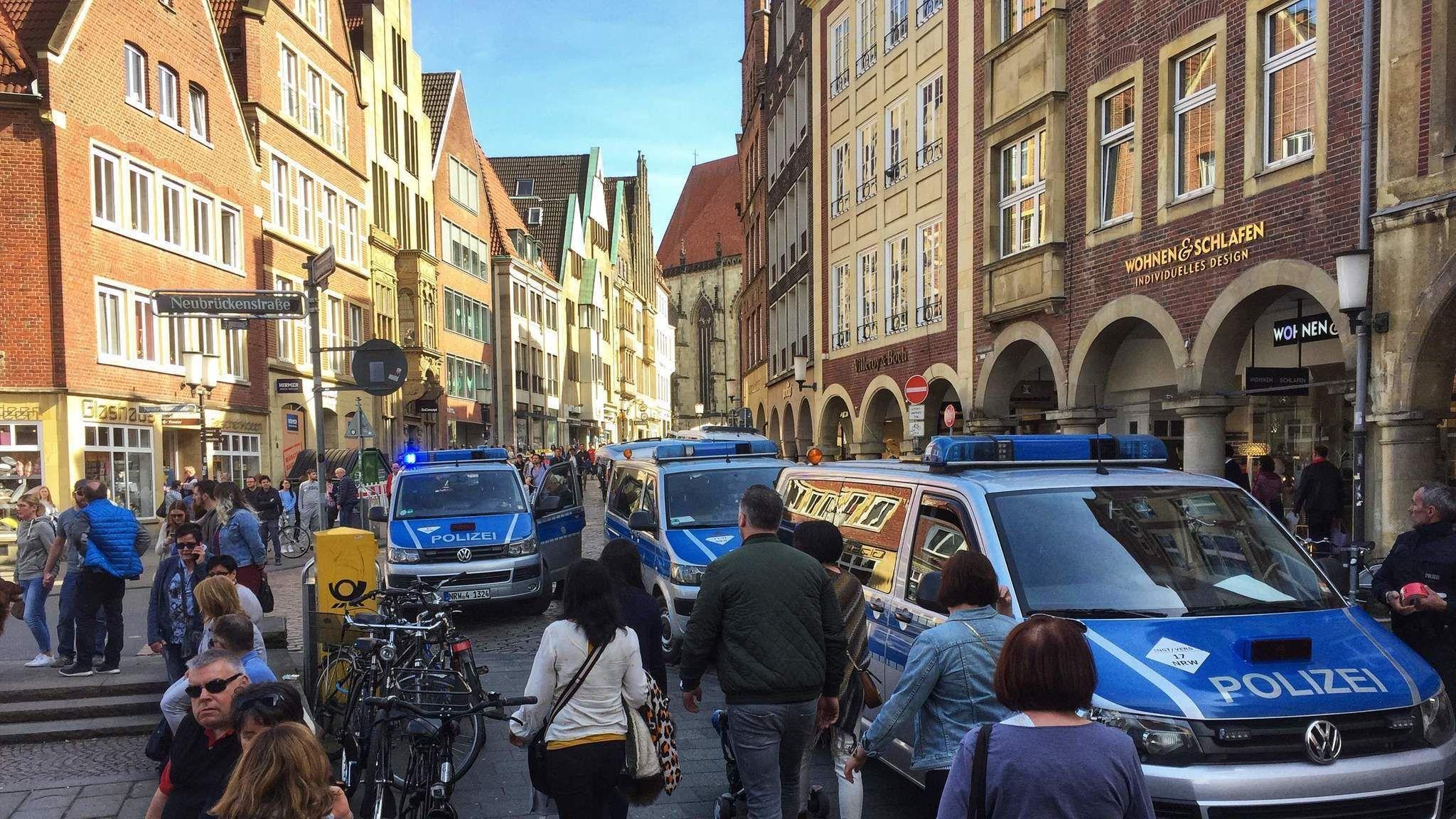 Van s crash into a crowd in Germany kills 2 injures 20 police say