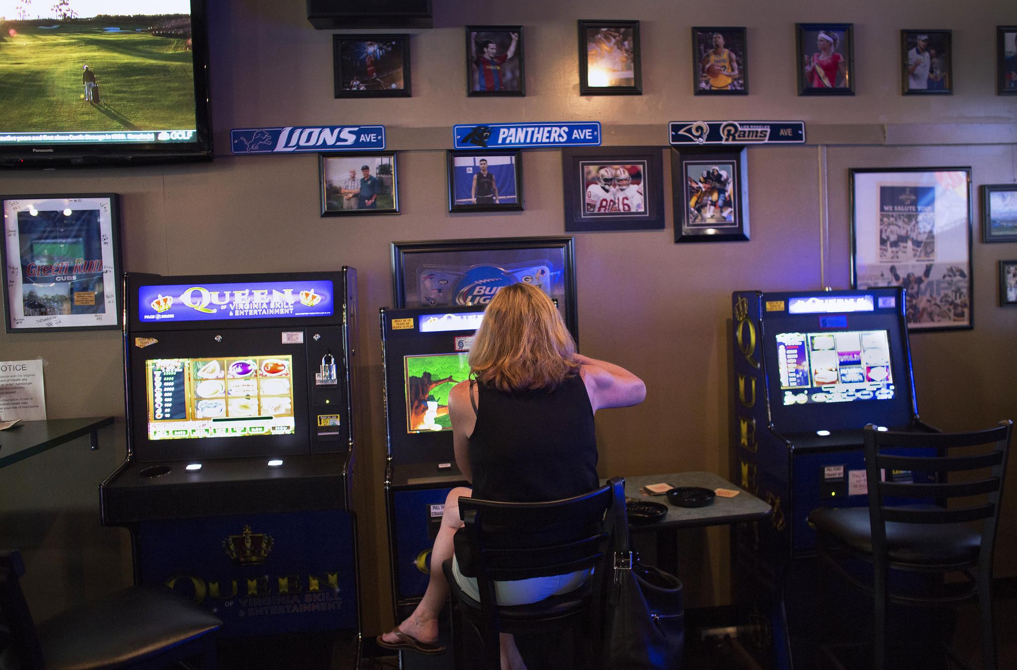 New games let bar patrons cash in, but aren't considered gambling machines  - The Virginian-Pilot - The Virginian-Pilot