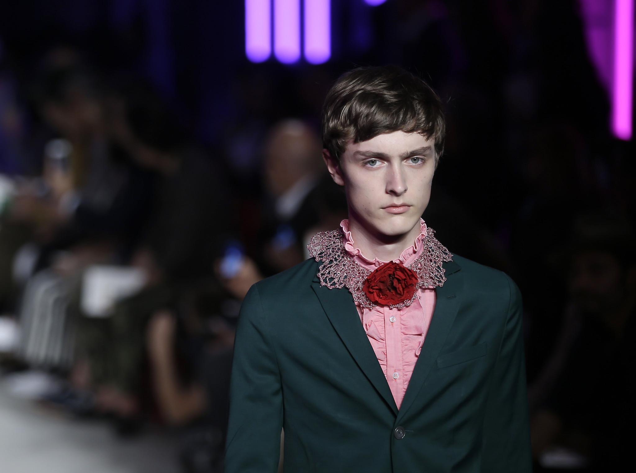 Men S Fashion Designers Celebrate Androgyny Trend Baltimore Sun
