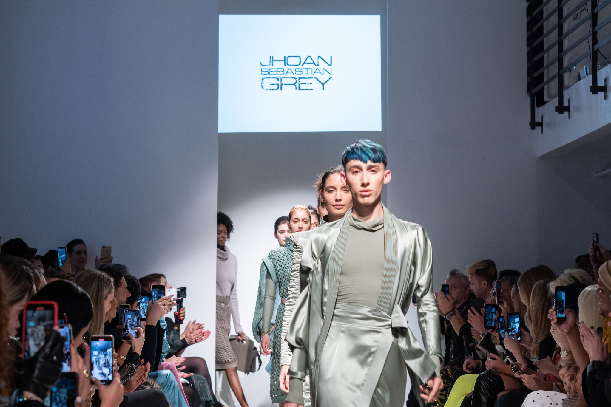 Project Runway Winner Sebastian Grey S Fashion Show In New York South Florida Sun Sentinel