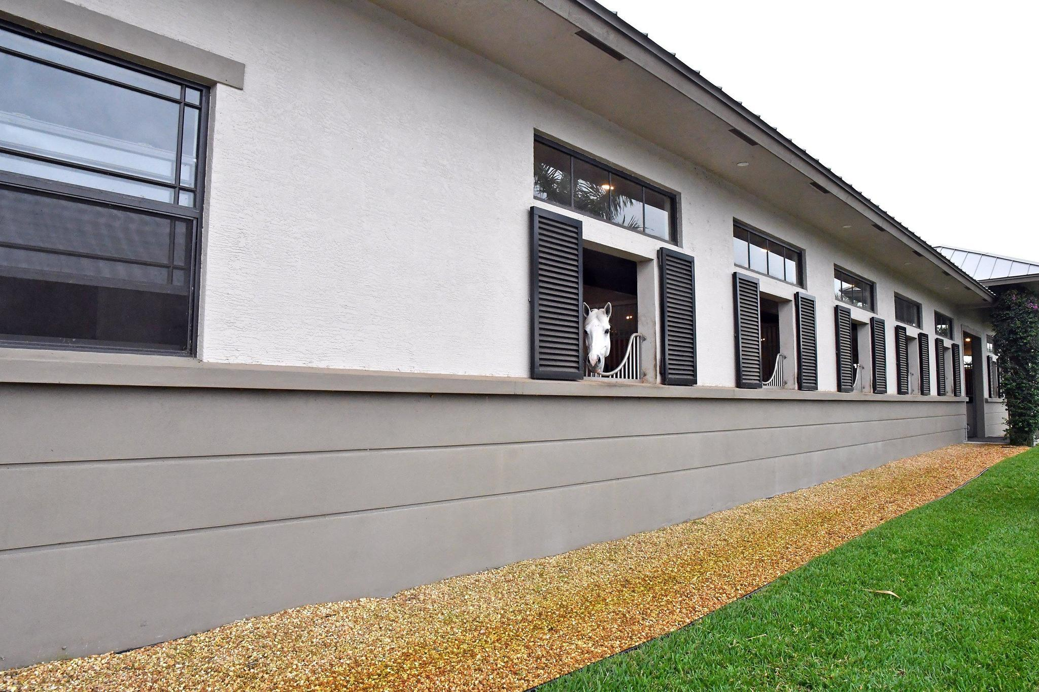 Peek Into Wellington S Luxurious Barns To Benefit Semper Fi Fund Photos South Florida Sun Sentinel South Florida Sun Sentinel