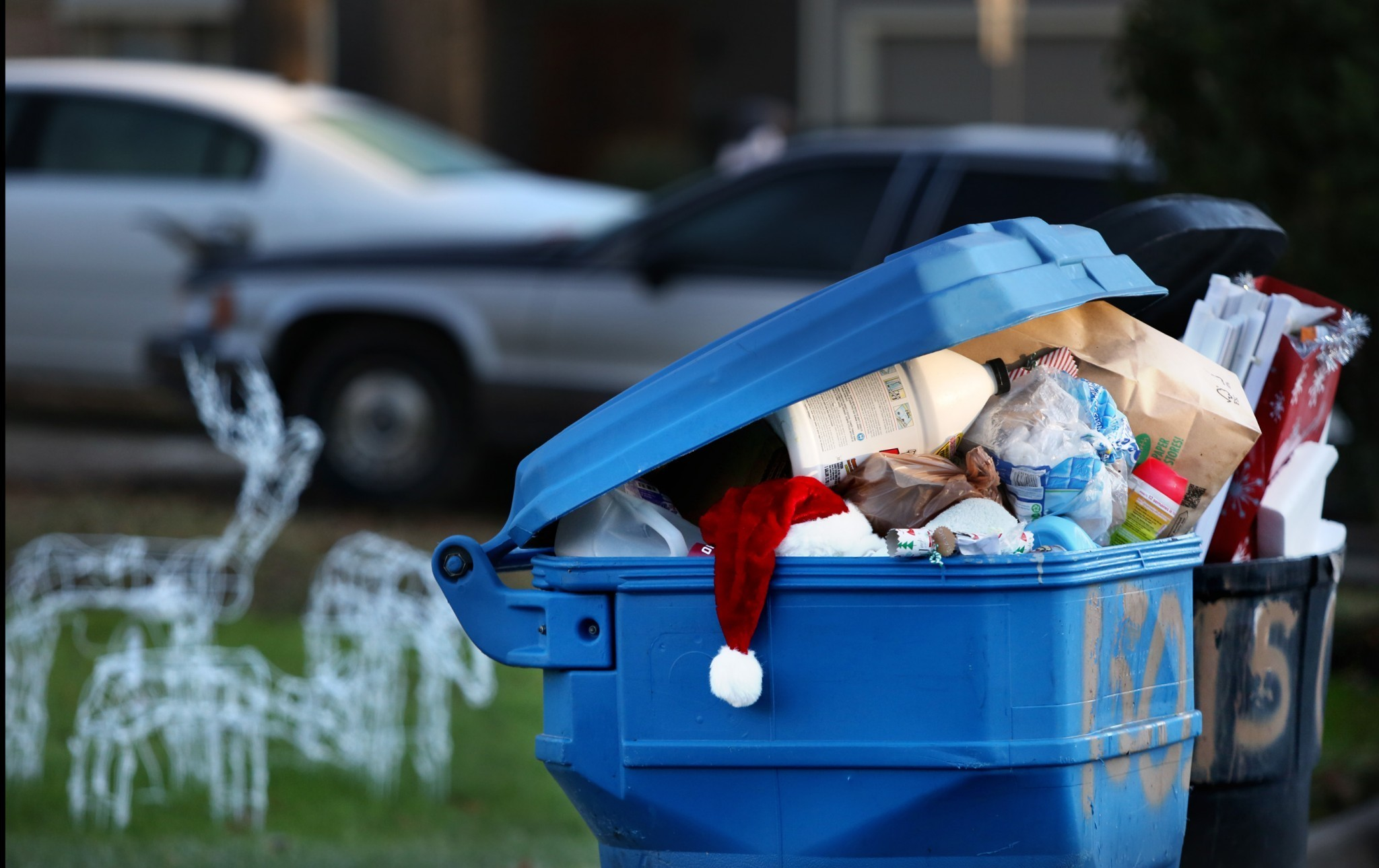 When Is Hampton City Christmas Holiday Trash Pickup For 2021 Holiday Cleanup Deck The Streets With Loads Of Garbage The Virginian Pilot