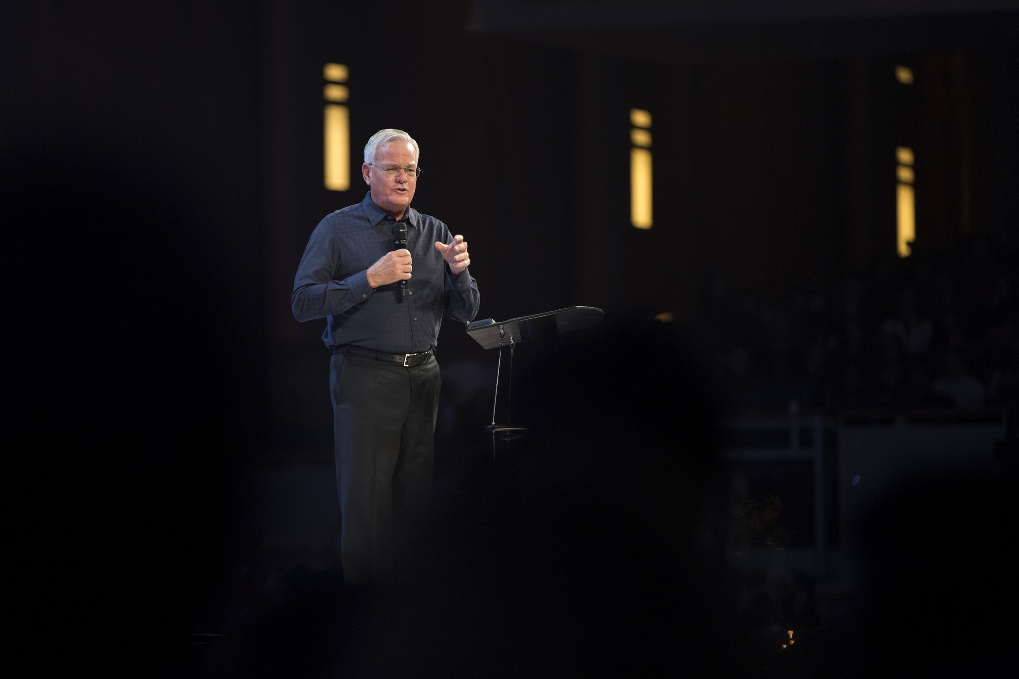 After years of inquiries, Willow Creek pastor denies misconduct