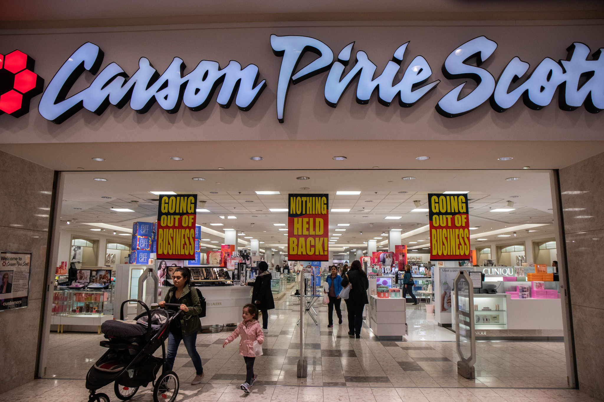 Carson S Closures May Mean Deals For Shoppers More Challenges For Hard Hit Malls Chicago Tribune