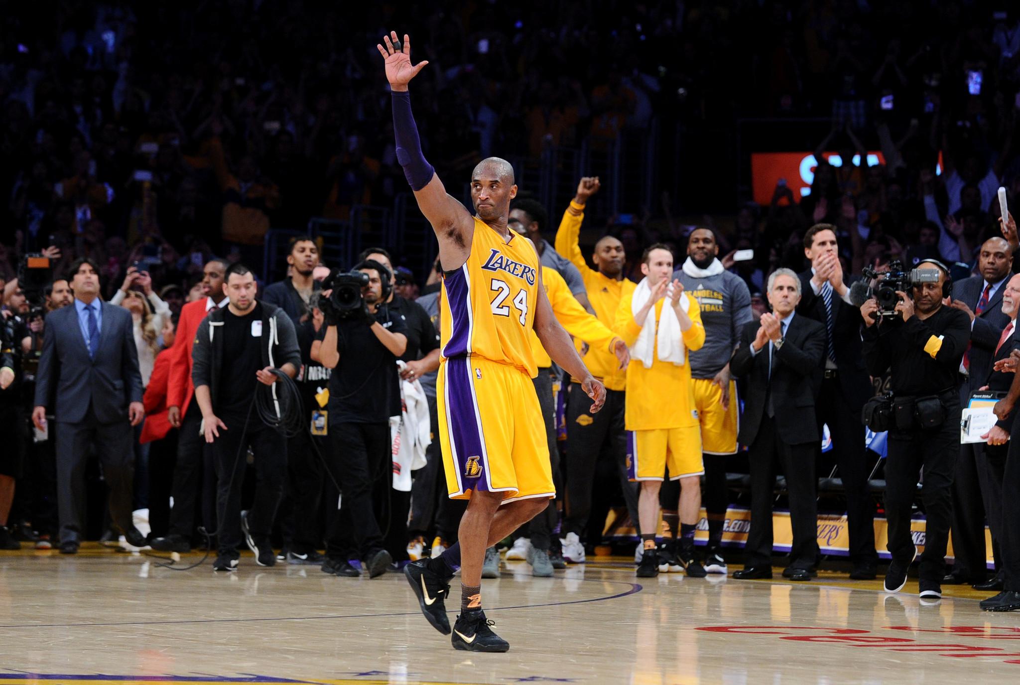 Nhìn lại những mẫu giày quan trọng nhất trong sự nghiệp của Kobe Bryant - Ảnh 15.