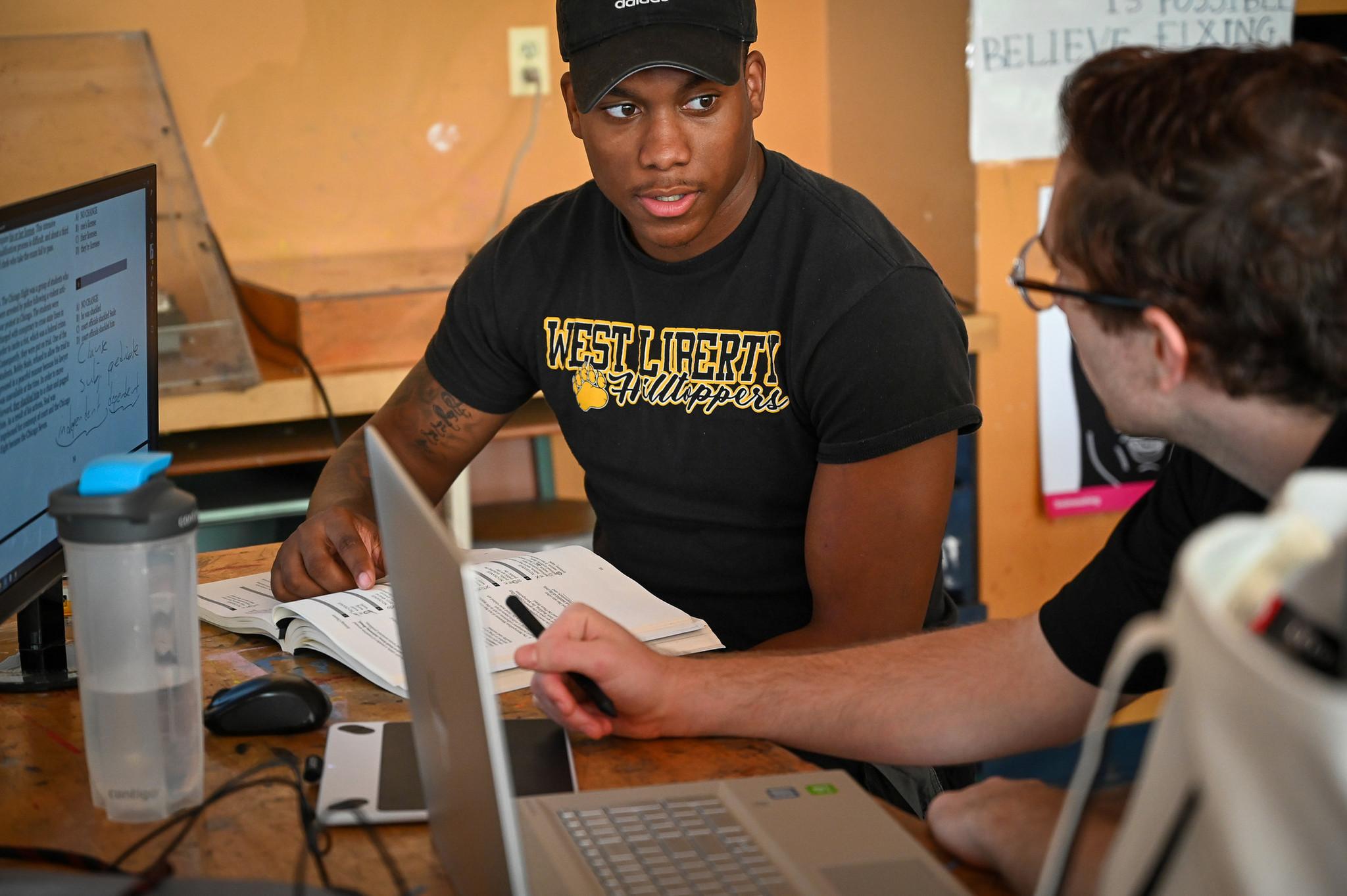 These Baltimore Teens Summer Job Boosting Their Sat Scores Baltimore Sun