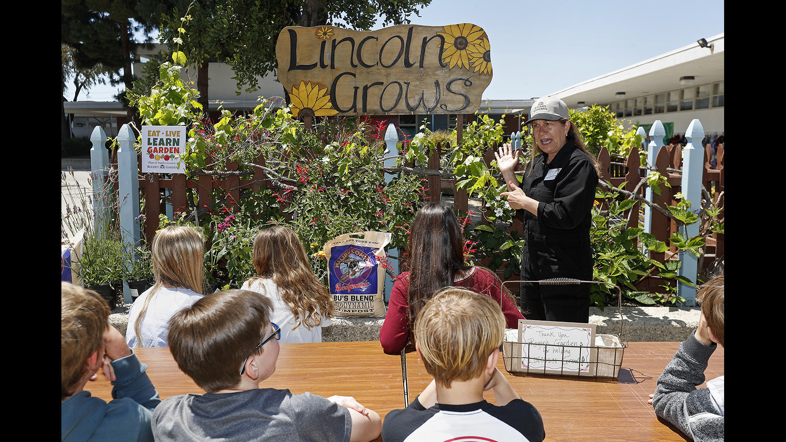 Kids And Pros Have A Garden Party At Corona Del Mar School The